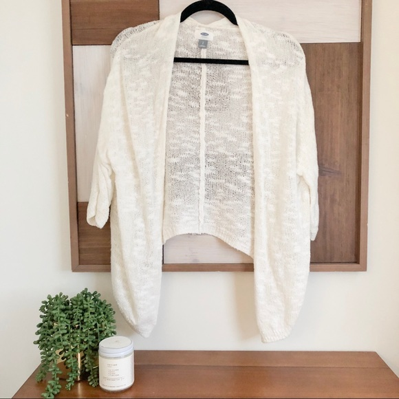 Old Navy Sweaters - Old Navy Cream Cardigan